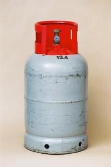 Moottorikaasu 11 kg, täyttö